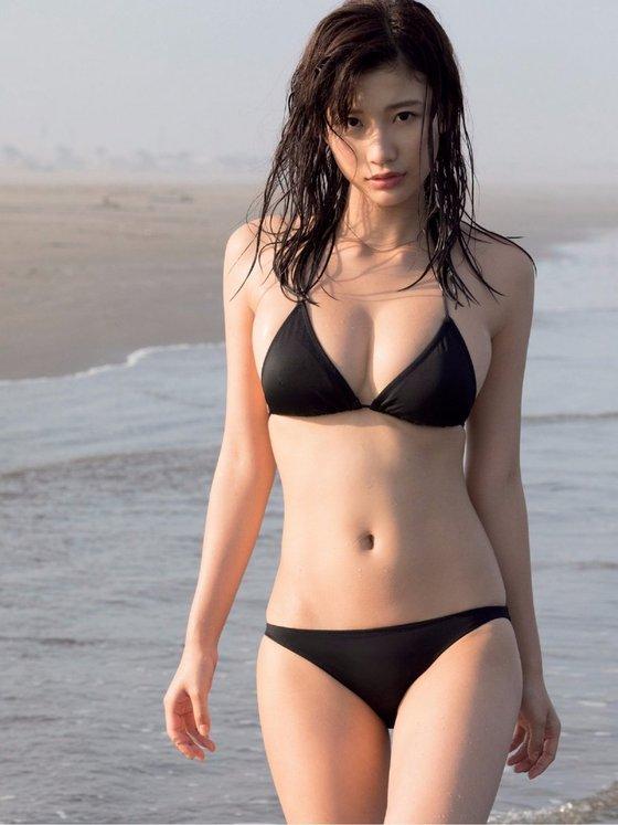 小倉優香セクシー画像「リアル峰不二子」水着多数!何カップ?